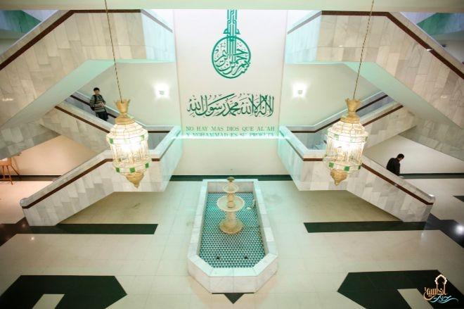 مسجد m30 من الداخل