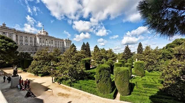 حدائق ساباتيني (Jardines Sabatini Madrid)
